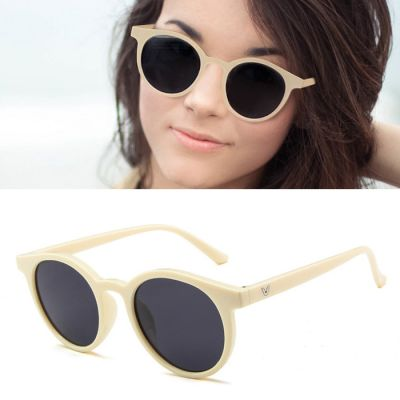 Retro V Paragraph Sunglasses Round Frame Ivory+Transparent Black