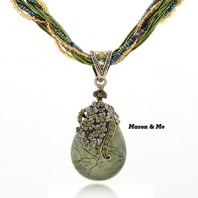 Luxury bohemian retro style water drop shape decorated flower pendant handmade necklace