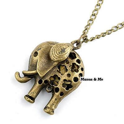 Forever21 Korean retro fashion hollow out calf elephant pendant sweater chain