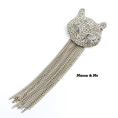 Korean woman fashion cat shape decorated with rhinestones tassels brooch