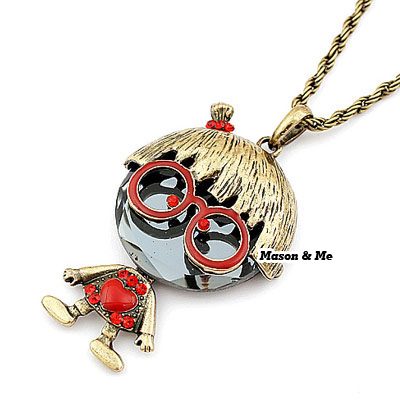 Korean vintage fashion Ugly Betty Mighty charm design pendant sweater chain