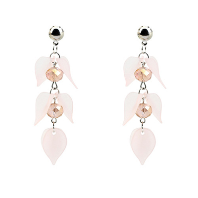 petal shape earrings