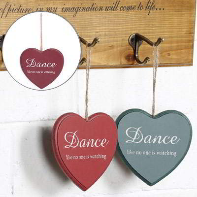 heart shape decorated wall hanging design