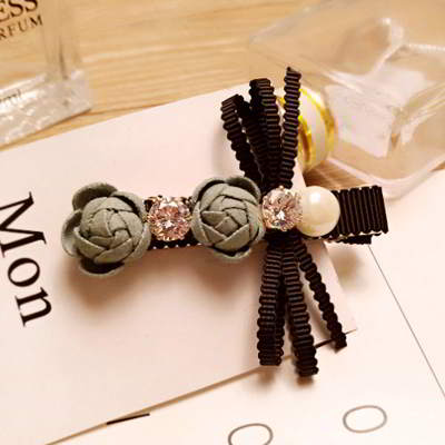 Forever21 pearls flower hairpin